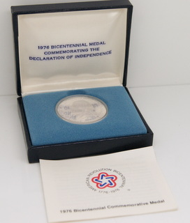 1976 American Revolution Bicentennial Thomas Jefferson Declaratoin of Independence July 4, 1776 Silver Round