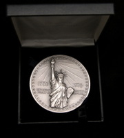 The National Bicentennial Medal 9.3 Ounces, 69mm
